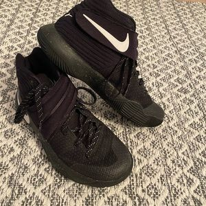 Nike Kylie Irving basketball shoes